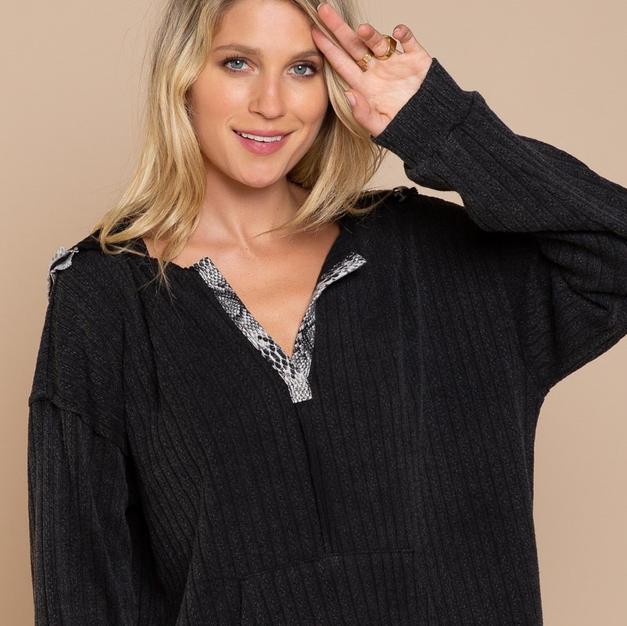 Black Pullover Hoddie