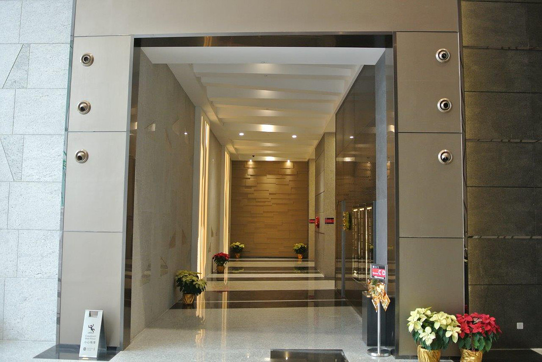 TML.Lobby.1