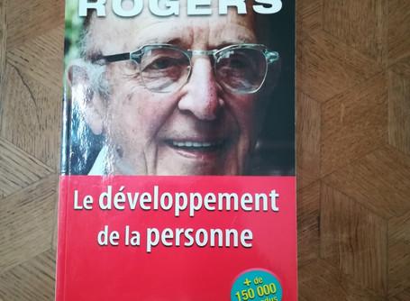 Una psicoterapia che mette al centro la persona: la rivoluzione dello psicologo Carl Rogers