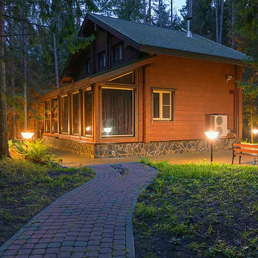 solar cabin off grid home