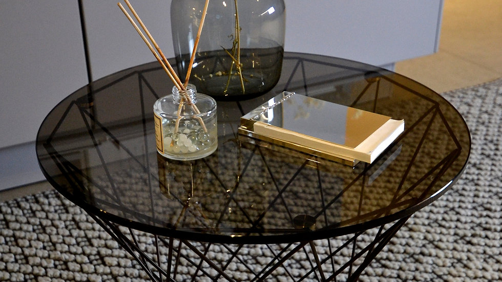 Walter Knoll Oota Side table in Brown Glass