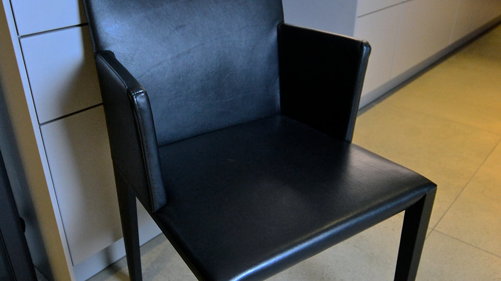 Walter Knoll Deen Dining Chairs with Armrests