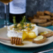 Gebackener Brie oder Camembert mit Honig