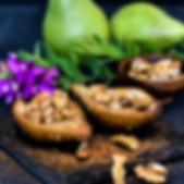 Gebackene Birnen mit Walnüssen und Honig