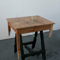 Reading Table (object)