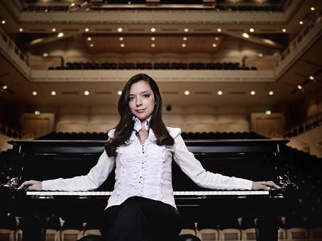 Yulianna Avdeeva with Los Angeles Philharmonic