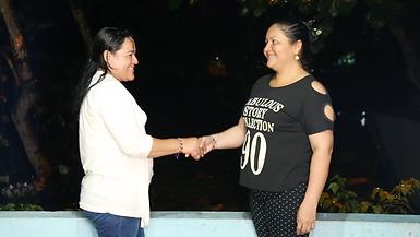 Aliris y Estella Saludo1.png
