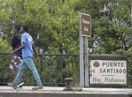 Desarticulan un grupo criminal que traficaba con migrantes en la frontera de Irún