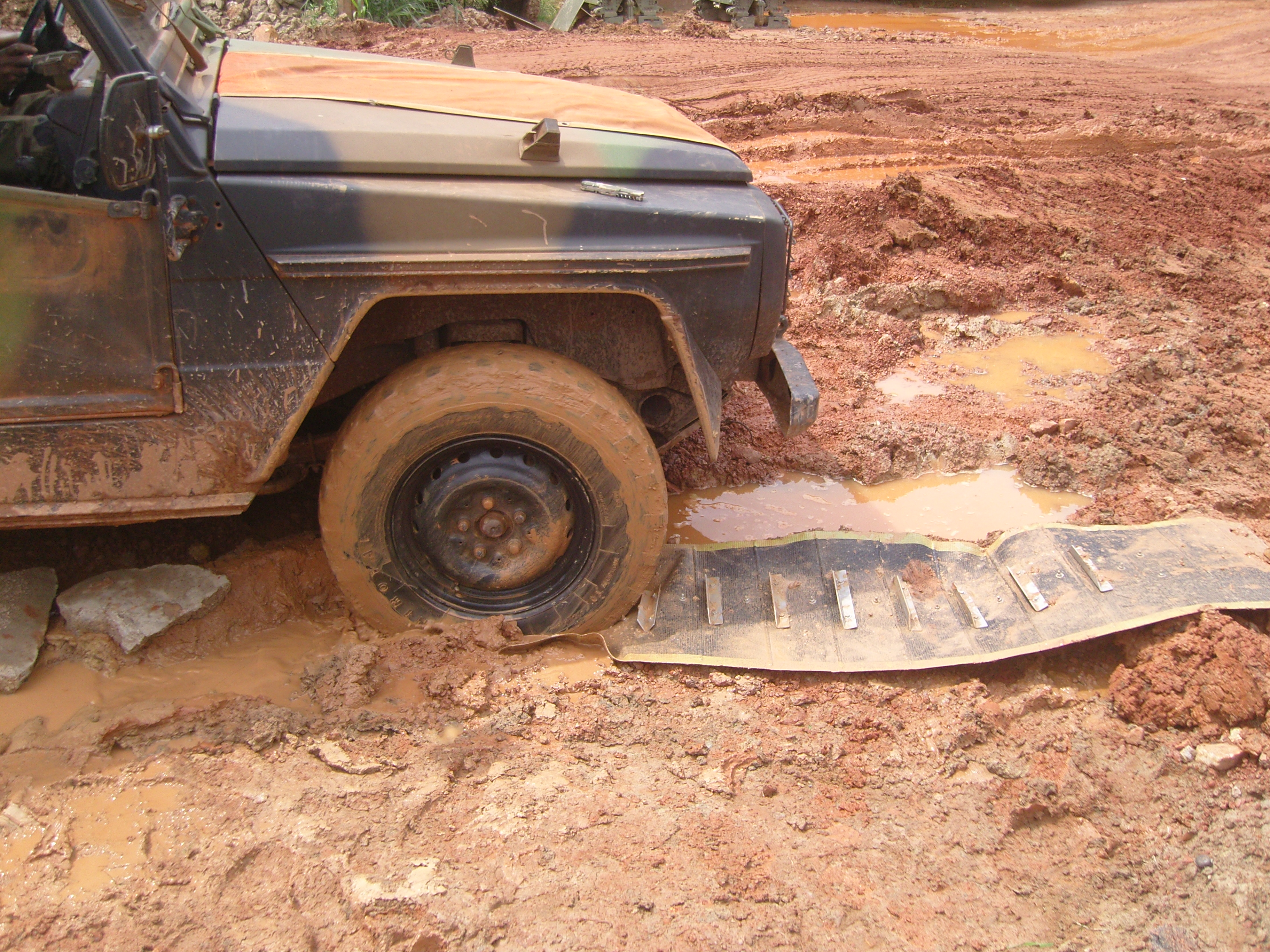 Mustmove vehicle Recovery Mat 4
