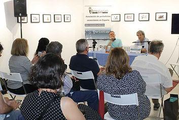 John-Petrizzelli-con-Venezu.jpg