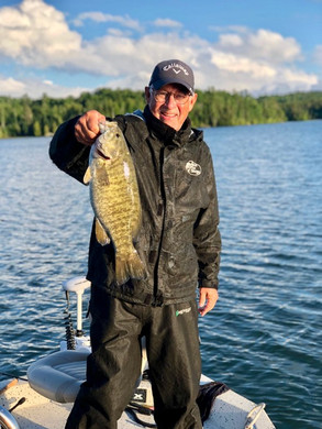 smallmouth_bass_trophy_19.jpg