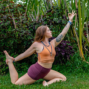 Hawaii Yoga Retreat- Mini Sesh