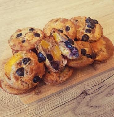 Muffins myrtilles et pêches