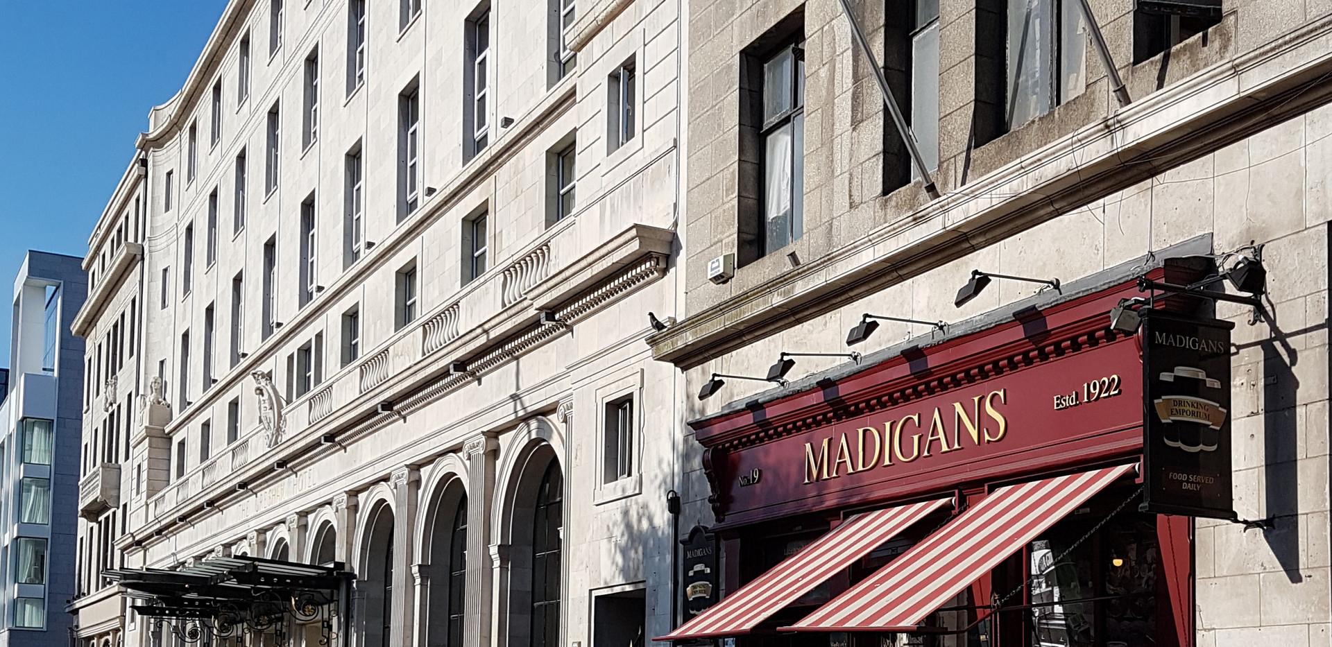 Madigan's Pub, 19 O'Connell Street, upr., Dublin, beside The Gresham Hotel,
