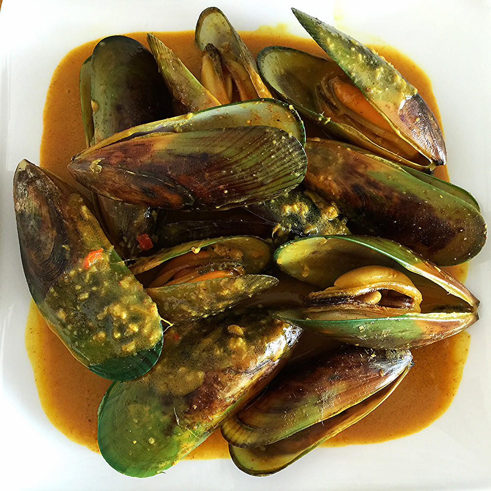 Curried Coconut Mussels with green oki oki NZ mussels from MMfreshfood.com
