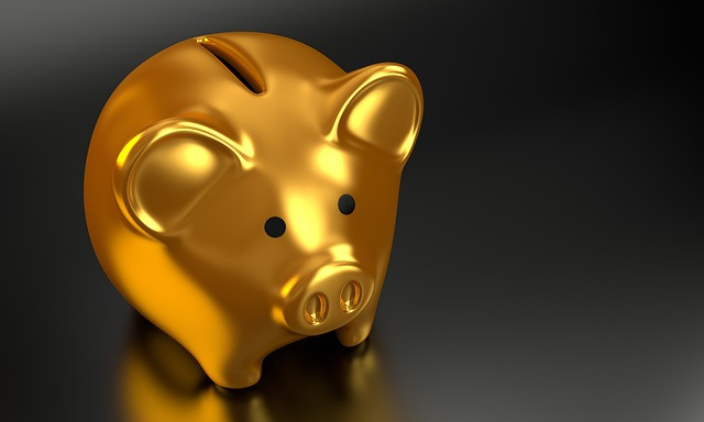 Gold piggy bank - Clear Goal Marketing
