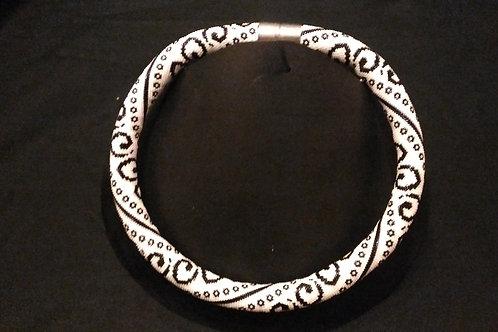 collier tube en perles Miyuki, création artisanale