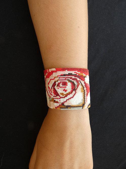 Bracelet en peyote Miyuki, rose en macro