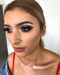 """How are my clients this ridiculously gorgeous _ingridperezxo 😍 _maccosmetics """" Velvet Teddy """" compl"""