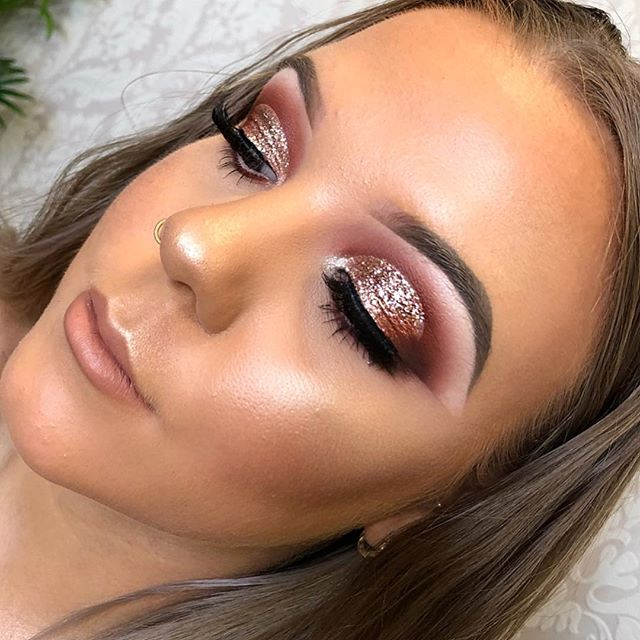 Obsessed with this rose gold glitter eye