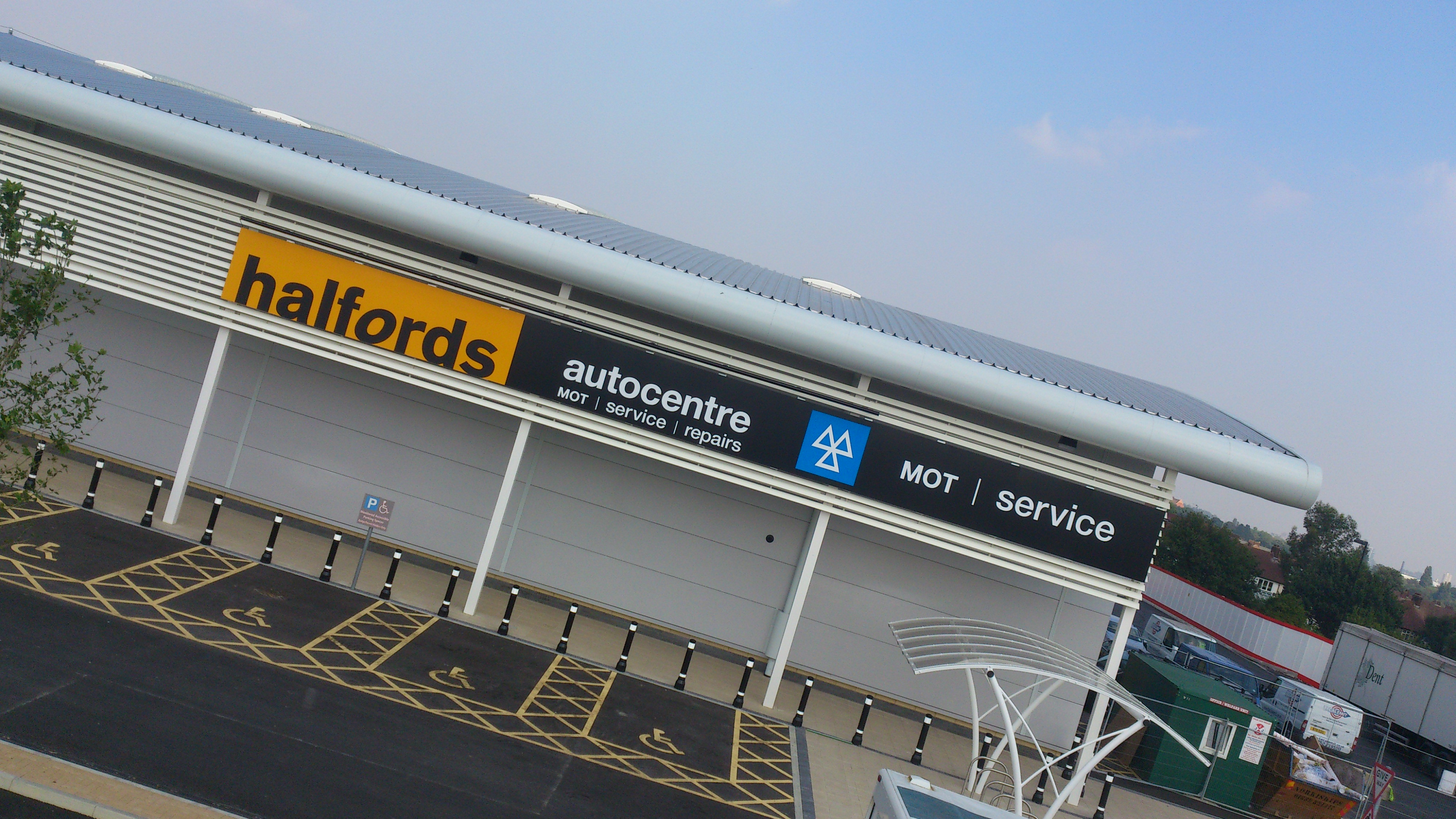 halfords retail signage