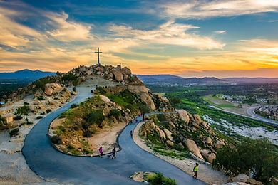 The-cross-and-trails-at-sunset-at-Mount-Rubidoux-Park-in-Riverside-California-1.jpg