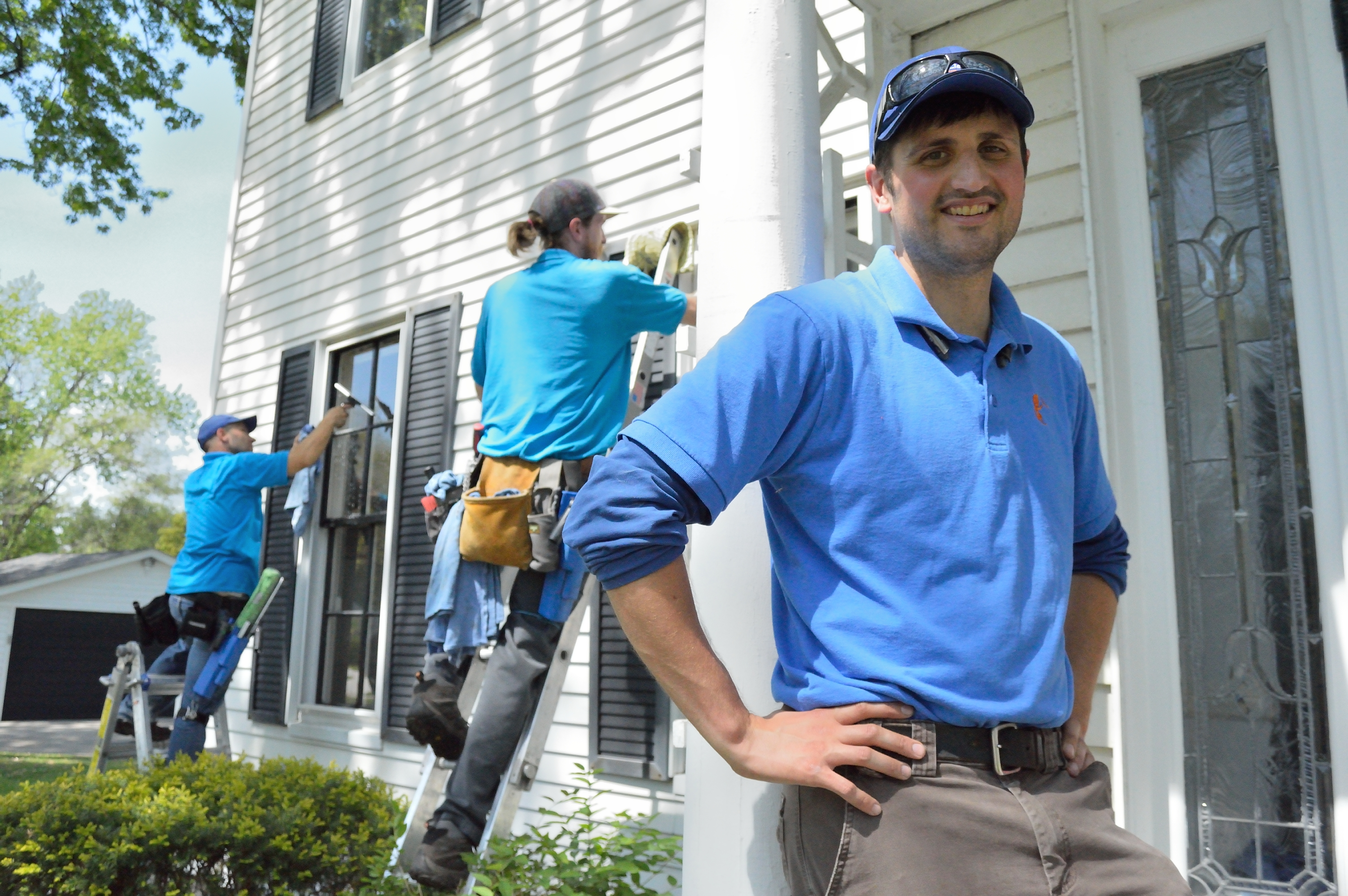 1852 Royal Oak Home Window Cleaning