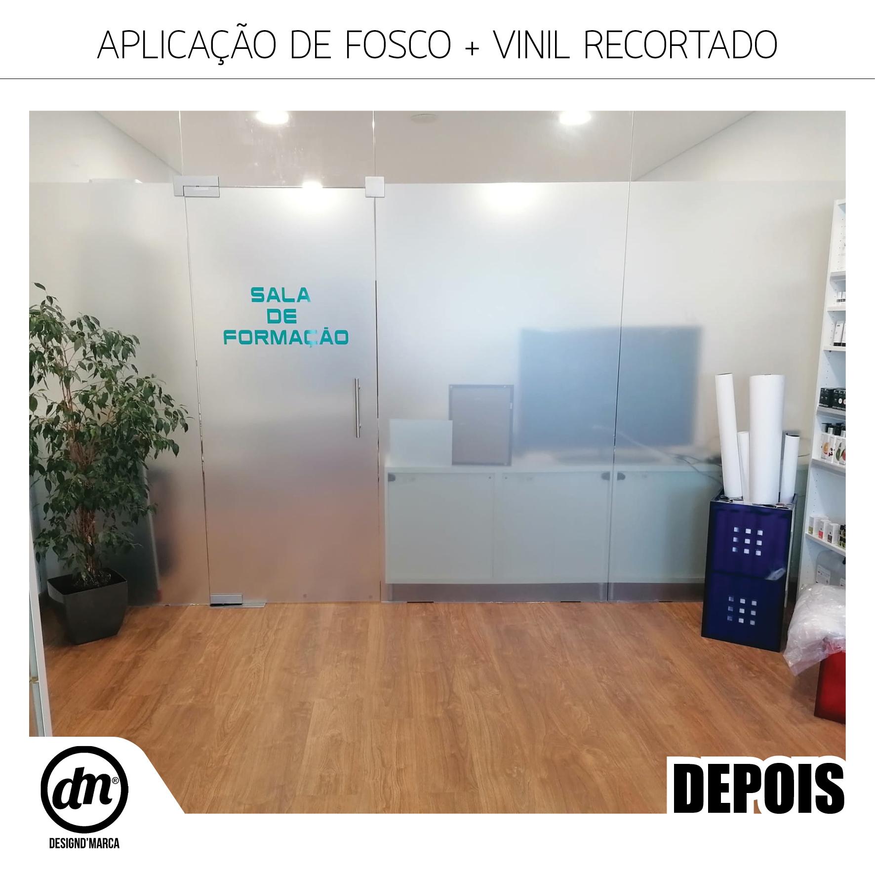 APLICAÇÃO DE FOSCO EM PORTAS DE VIDRO