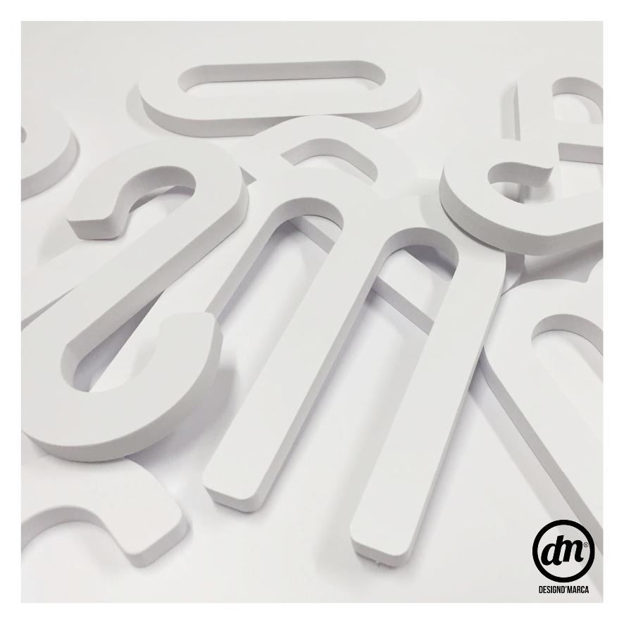 Letras Fresadas em PVC
