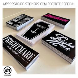IMPRESSÃO DE STICKERS COM RECORTE ESPECIAL