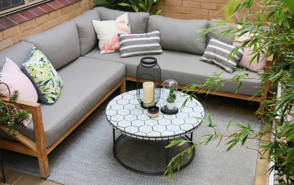 Courtyard - seating area with tiled coffee table