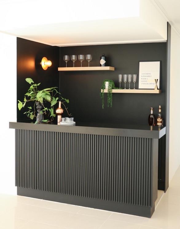 elizabeth bay road - modern contemporary bar