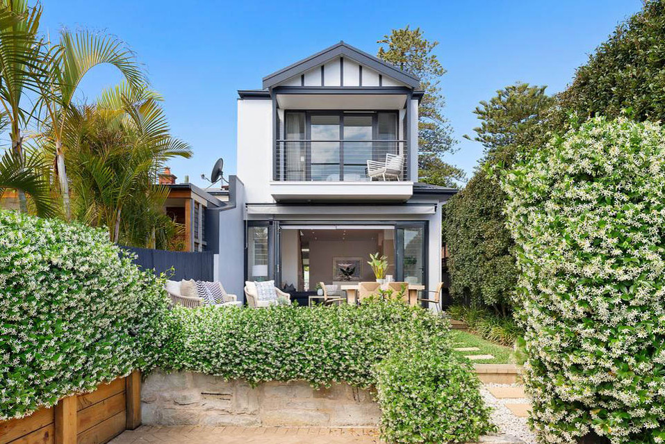 manly modern classic - exterior white grey