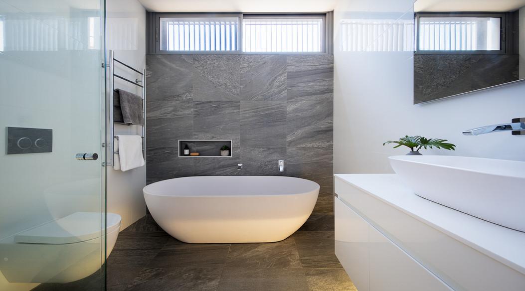 Taylor St - Bathroom.jpg