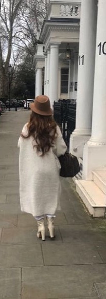 For this chic look I am wearing a white Intimissimi high neck top with white Diesel jeans to keep the white colour scheme, an oversized wool
