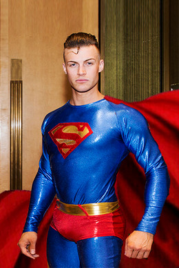 Superman_supergirl_batman_entertainment_