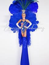 Aussie Showgirl stilt walkers.jpg