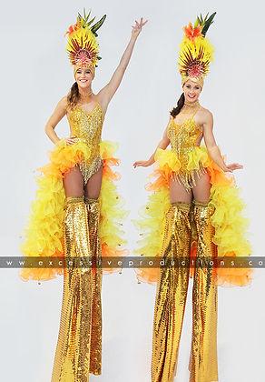 Rio_Carnival_Roving_Cuba_Stiltwalkers_Gi