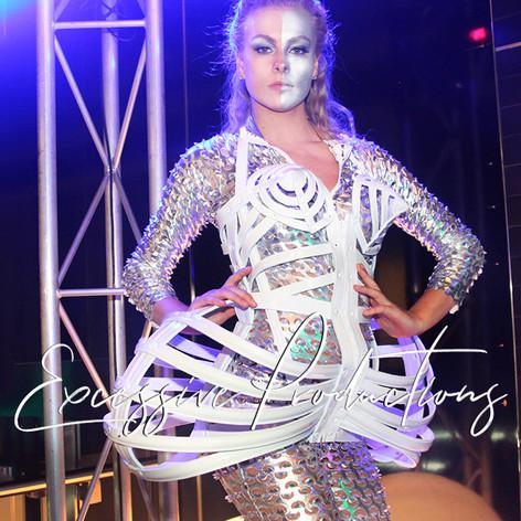 Cyber futuristic Dancers roving.jpg