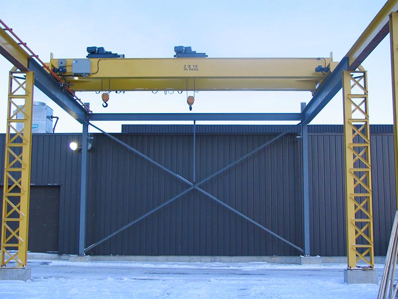 Munck Cranes double girder multiple hoist, multiple trolley, outdoor crane.  Box girder, Double gird