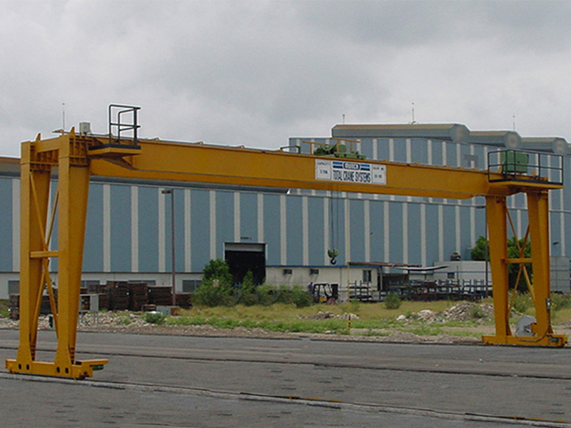 Munck Cranes Self-Supported, Free Standing Crane, Outdoor Double Girder Full Gantry Crane.