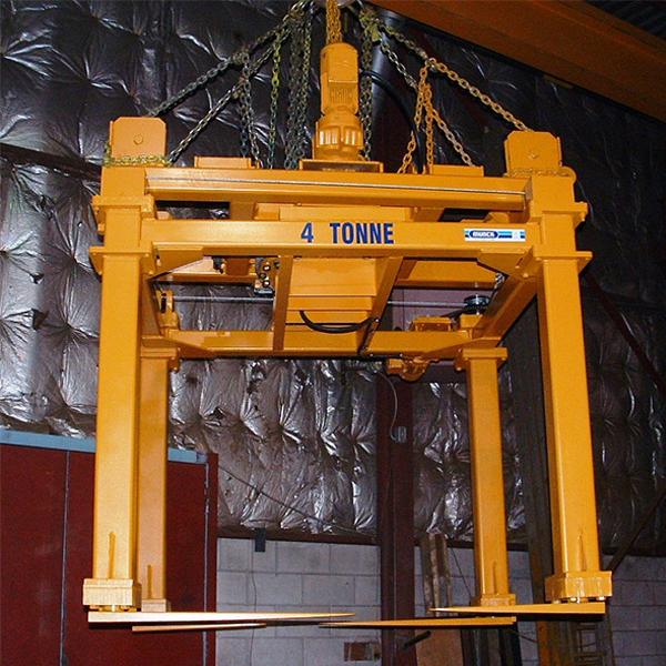 Munck Cranes Custom Underhook Attachment, Custom Underhook Grab.  Mechanically Operated Scissor Lift