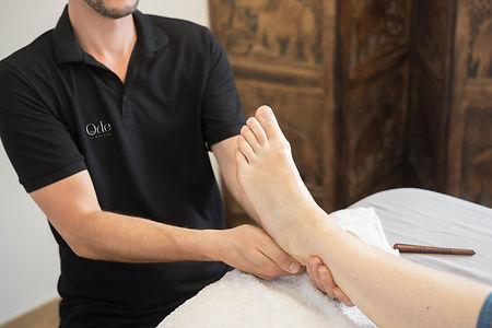 ode-au-bien-etre-massage-reflexologie-plantaire-.jpg