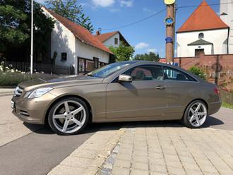 Mercedes-E-Class-mit-AV-1-0.jpg