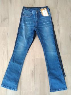 Wash demo women jeans