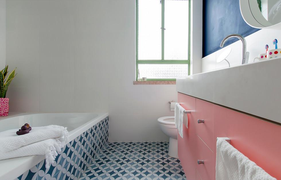 אמבטיה בנות מלאה.jpg