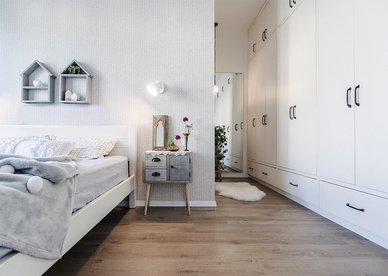 מיטה ומסדרון.jpg