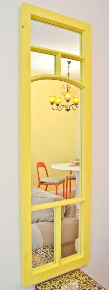 מראה צהובה מורחב.jpg