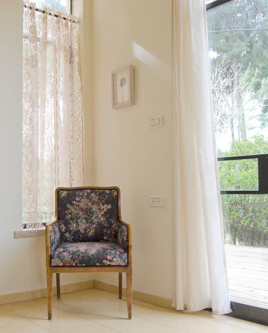 כורסא פינתית.jpg