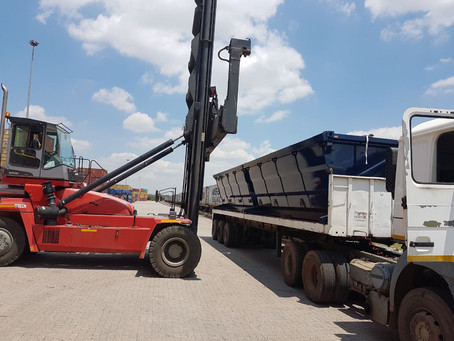 Specialised-Container-Agencies-Intermodal-side-tipper-bins-rail&road